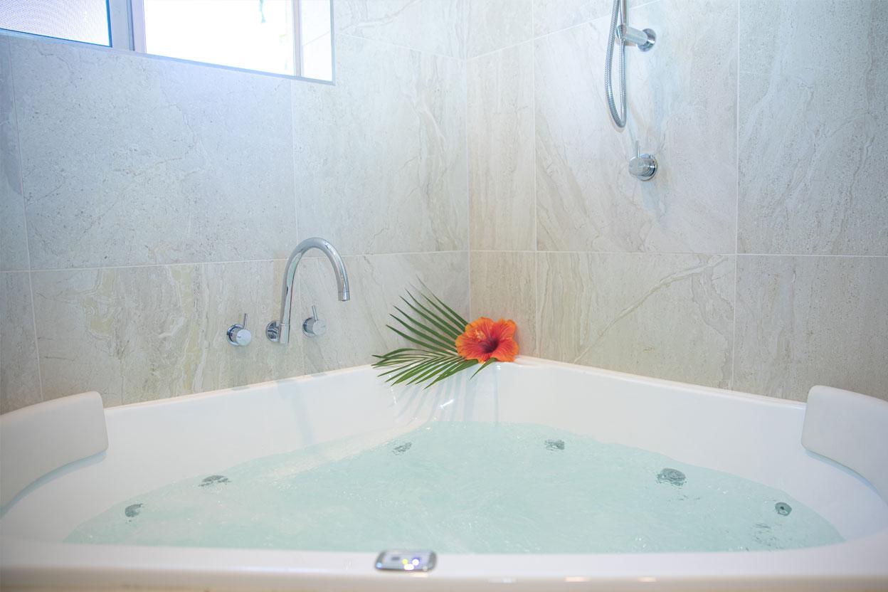 Islander-Resort-Noosa-2-Bedroom-Deluxe--Villa-1
