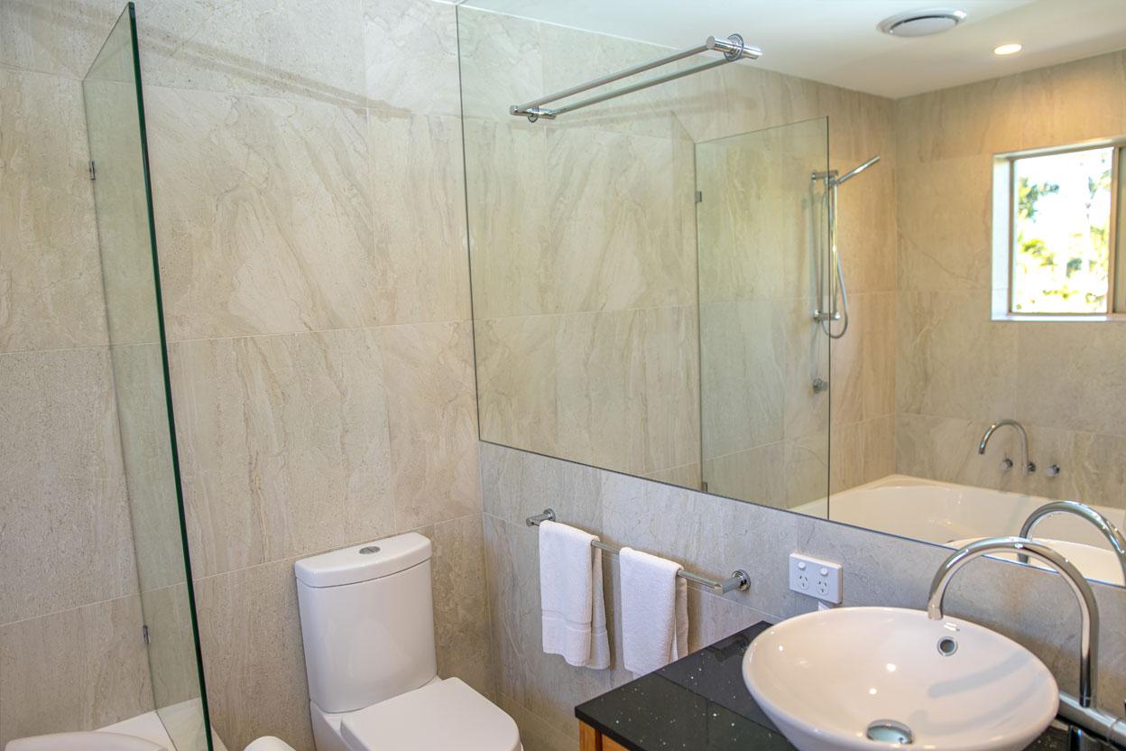 Islander-Resort-Noosa-2-Bedroom-Deluxe--Villa-4